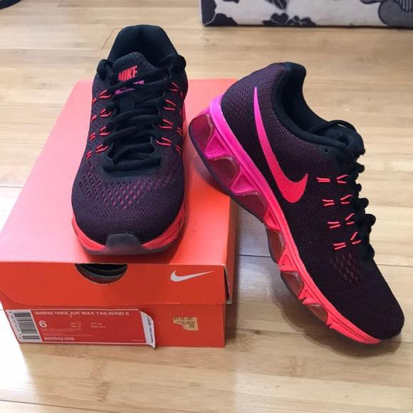 0a8bcb6f610 Women s Nike Air Max Tailwind 8 Size 6. M 5abfbe9e36b9dea1d26ace08